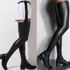Detachable super high boots. 4 colors